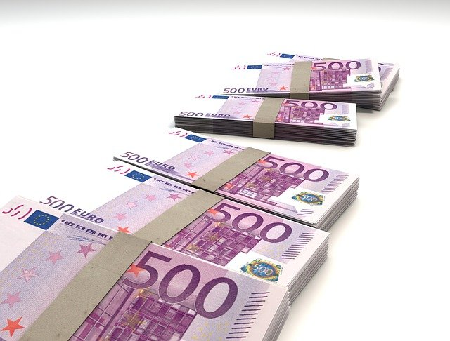 Esalonarea la plata NU se poate acorda persoanelor fizice care au obligatii fiscale in suma totala mai mica de 500 lei