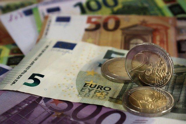 Microgranturi de 2.000 de euro, sesiunea a 2-a. Firmele pot beneficia de facilitate doar daca indeplinesc anumite conditii